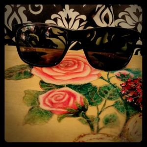😎 Ray-Ban Sunglasses 😎